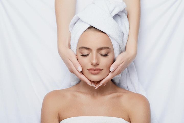 Ansiktsbehandling, napping/forming og massasje