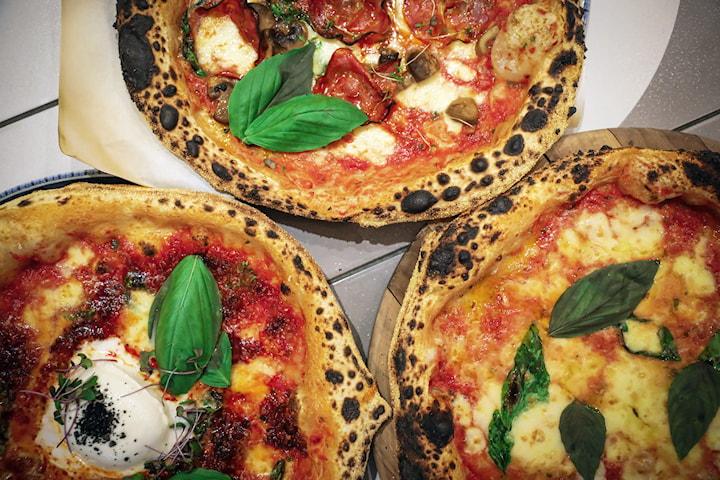 Valfri pizza inkl. dryck på Café Ragazzi 1 eller 2 pers