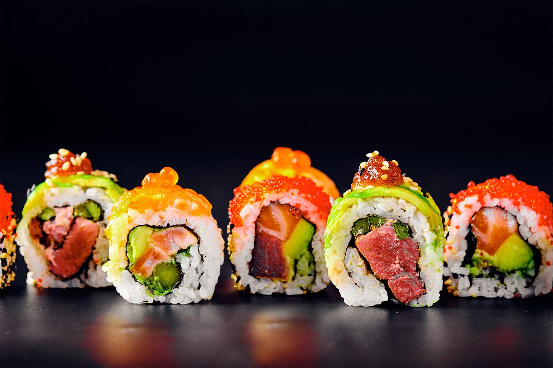 16-80 biter sushi fra Deilig Thai & Sushi i Storgata i Oslo (1 av 1)