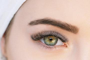 Singel- eller volymfransar hos Beauty Clinic