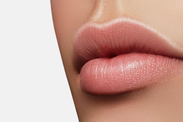Fillerbehandling 0.5 eller 1.0 ml utført av erfaren kosmetisk sykepleier