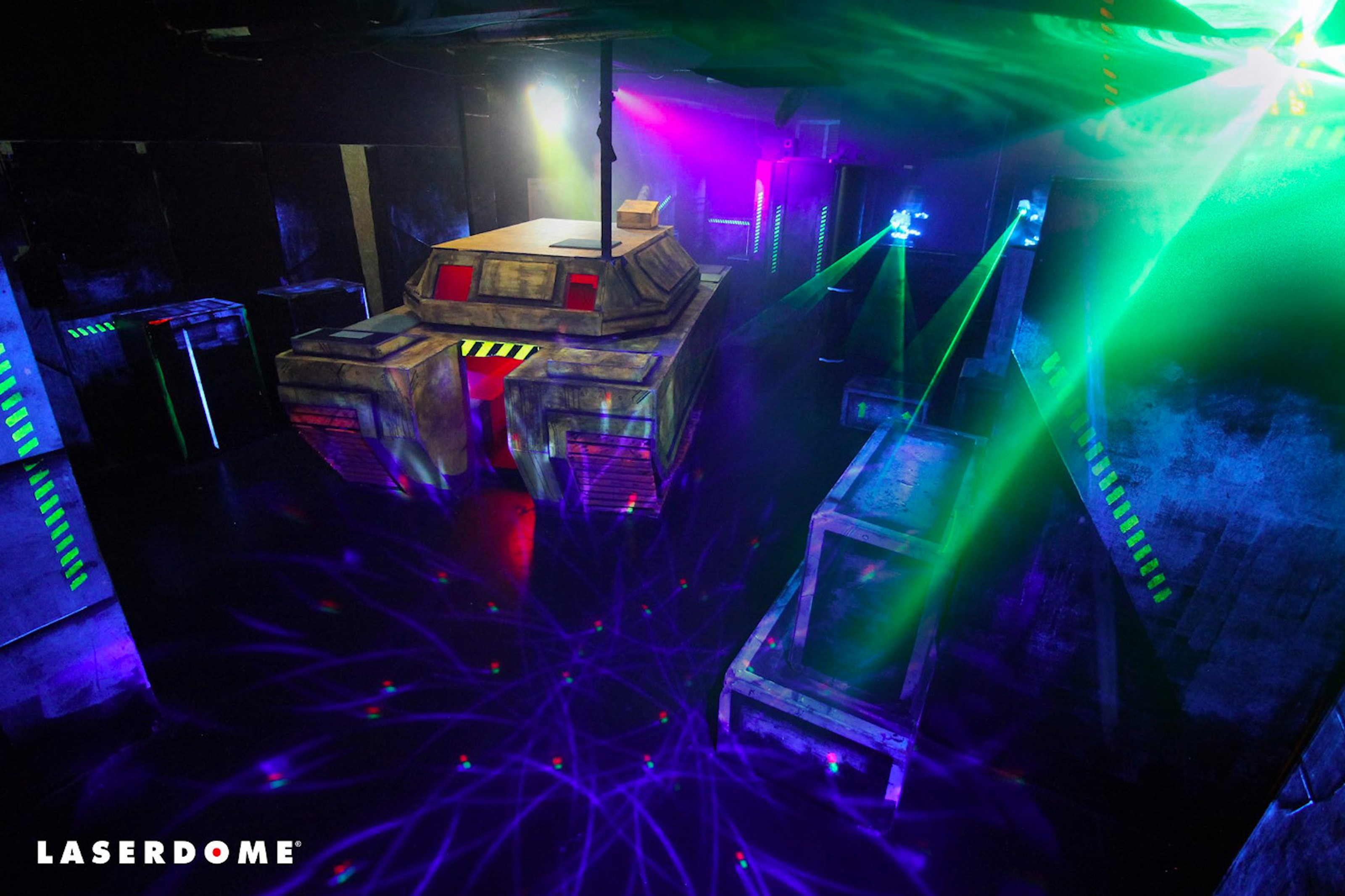 Spela Laserdome