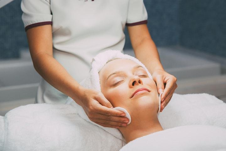 Special ansiktsbehandling av hudterapeut Sholeh i Göteborg