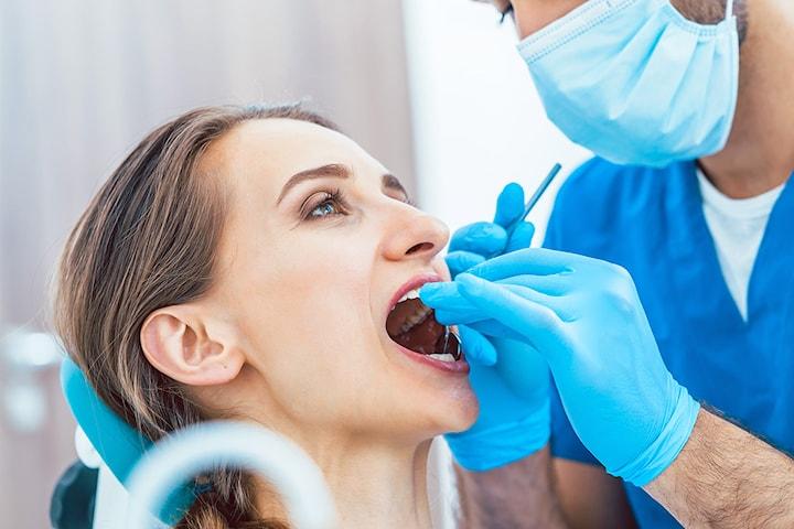 Tannundersøkelse + borring av opp til tre hull hos Estetika Tannklinikk