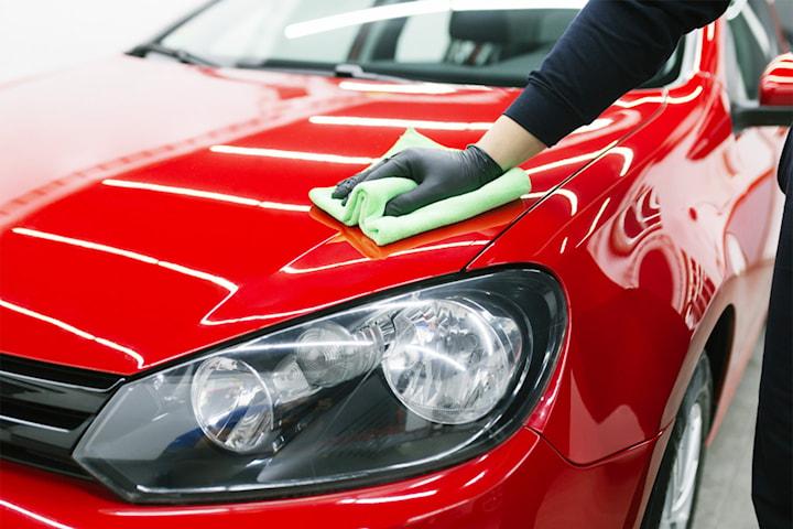 Stor in- och utvändig biltvätt