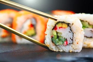 Festtallrik: 36 bitar sushi