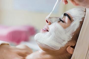 Skin re-boot ansiktspeeling hos Utsiden-Inn
