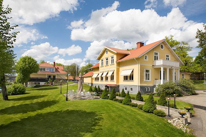 Gourmetpaket för 2 på Öjaby Herrgård