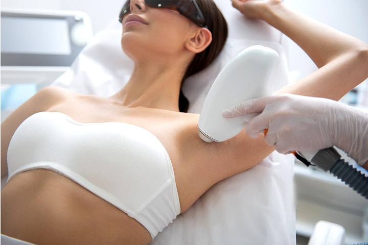 Permanent hårfjerning på valgfritt område med Alexandrite-laser hos EstMed