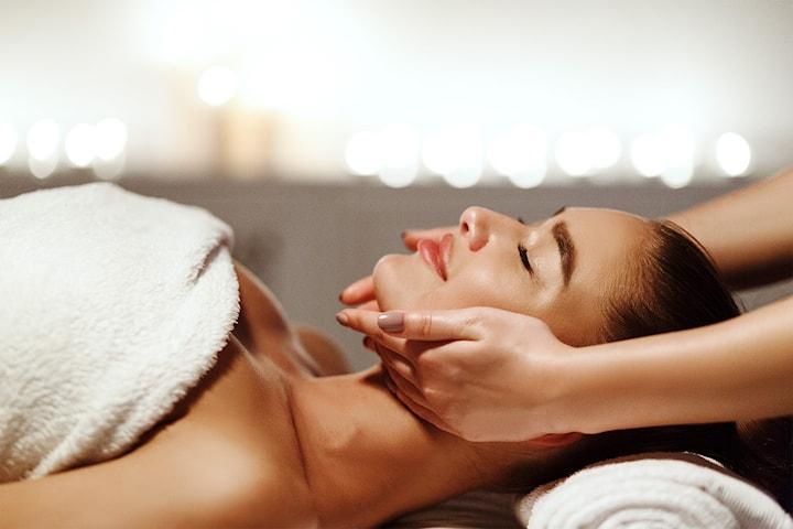 Lyxig spa-behandling på Aroma Spa