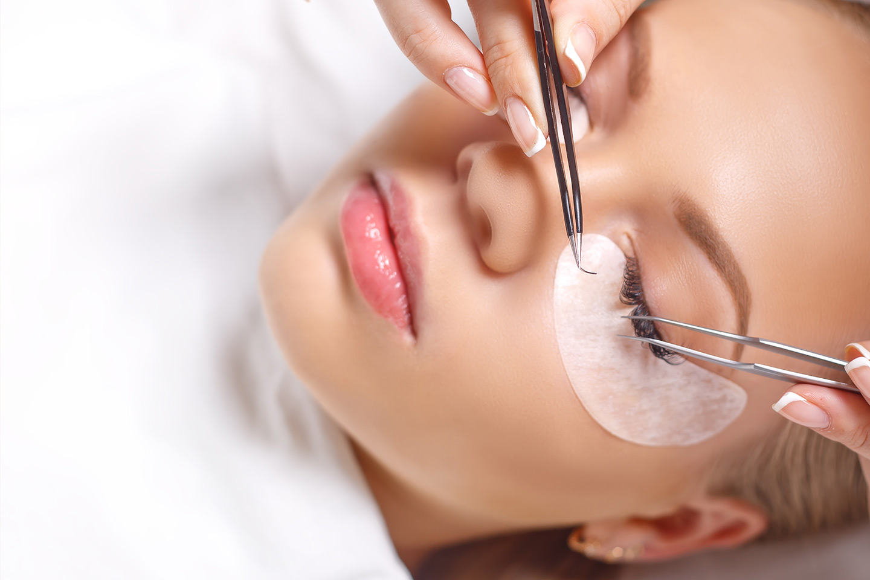 Klassiske vippe-extensions hos Permanent Makeup Senter (1 av 1)