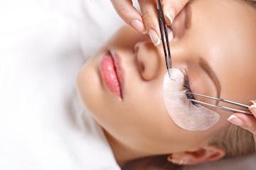 Klassiske vippe-extensions hos Permanent Makeup Senter
