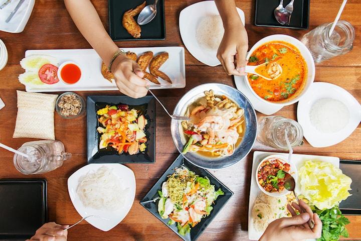 Cateringbuffé för 10 personer från Thai Thai