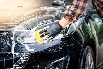 Supervask av bilen hos Proshine, velg med eller uten polering og lakkrens