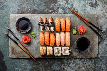 20 biter Deluxe sushi meny hos Sushi Nam Nam på Horisont senter