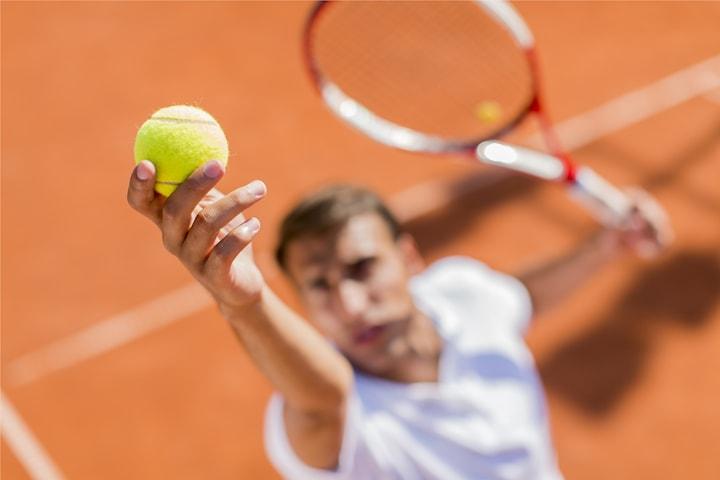 Spela tennis hos Fair Play Tennisklubb