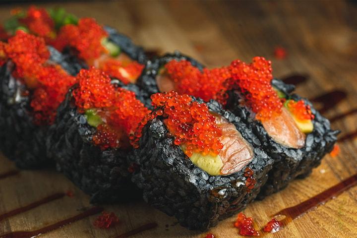 Sushi kuro roll (8 biter) hos Sushimi i Åsane og Natland