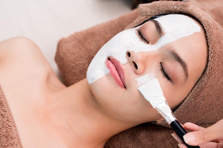 60 min ansiktsbehandling hos Diamant Klinikk