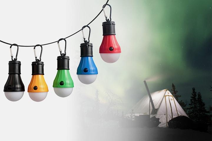 LED-lampe med karabinkrok