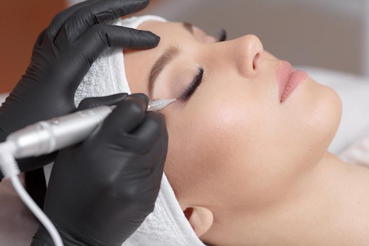 Permanent tatuering eyeliner