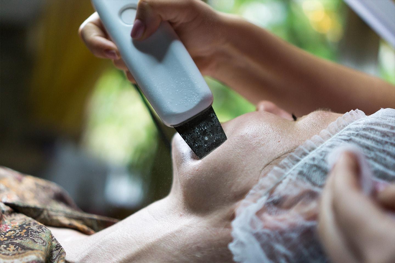 Forny huden med kavitasjon peeling på Frogner i Oslo