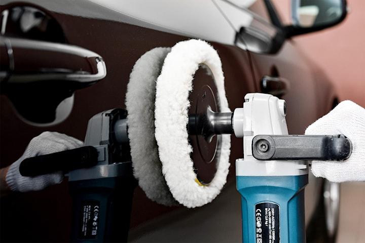 In- och utvändig biltvätt med polering