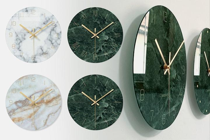 Klocka i marmorerat glas