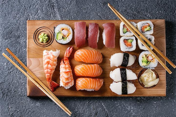 Sushi takeaway, 12 til 48 biter hos Sushitime på Helsfyr
