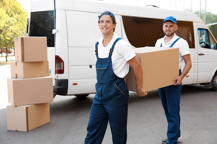 Flytthjälp inkl. personal och lastbil