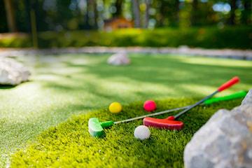 Säsongspremiär på Golfparken Äventyrsgolf på Heden