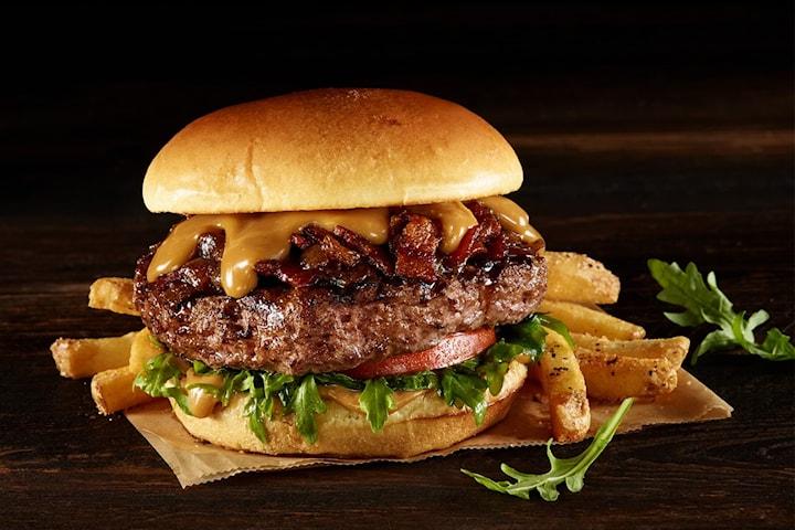 Betal 19 kr og få 50% rabatt på valgfri burgermeny hos verdenskjente Hard Rock Cafe Oslo