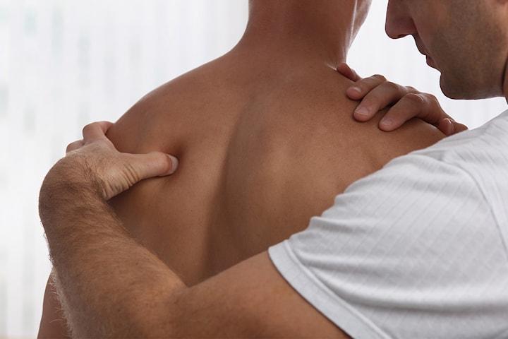 50 min massasje eller 60 min osteopati hos Sagplads Osteopati