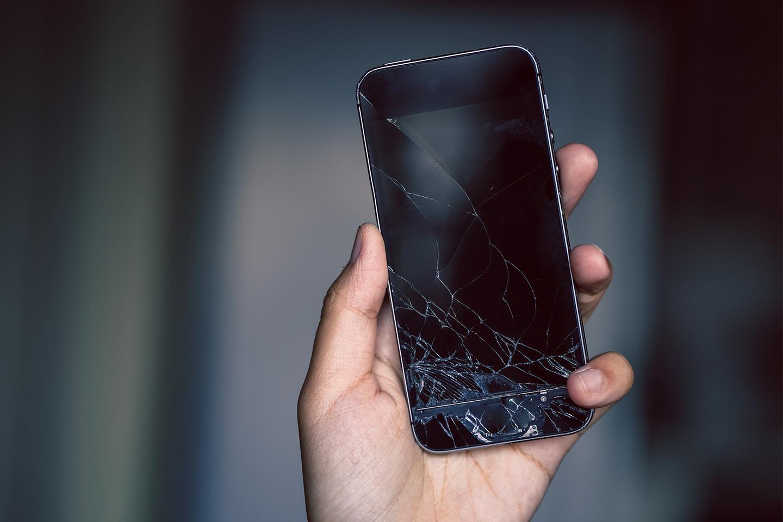 Reparasjon av knust skjerm til iPhone 5 og opp til iphone 11 hos Refix Norge (1 av 1)