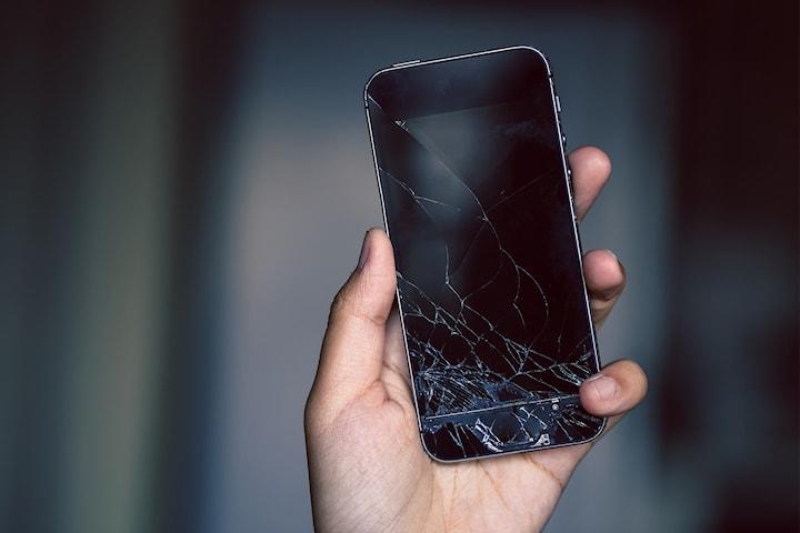 Reparasjon av knust skjerm til iPhone 5 og opp til iphone 11 hos Refix Norge