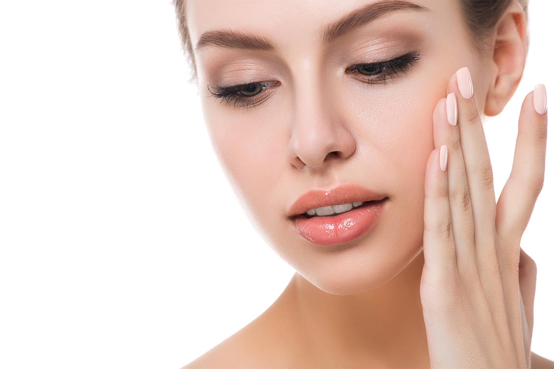Klassisk, Lux eller Fruktsyre ansiktsbehandling (1 av 3)