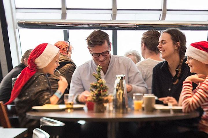 FørjulsCruise med familien inkl. julebuffé till København for 4 personer i standard lugar