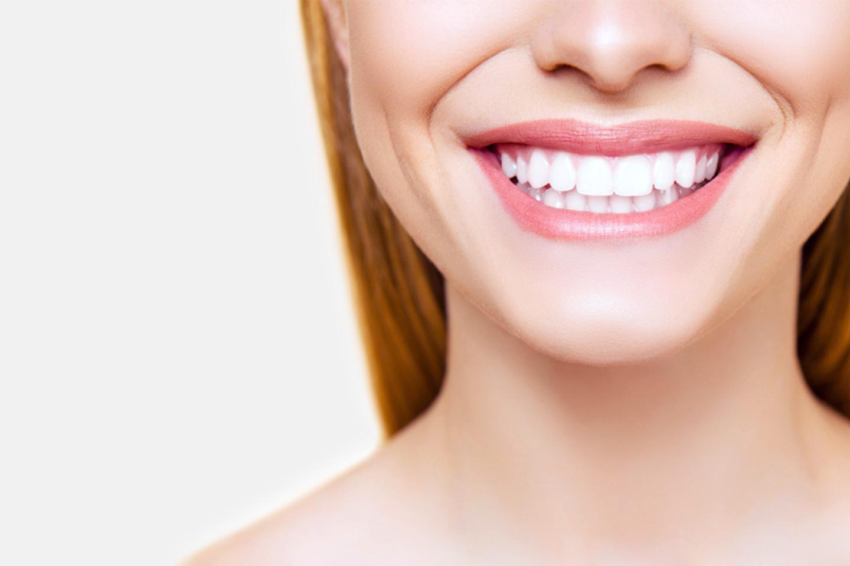 Tandundersökning + 50% rabatt på lagning av hål (1 av 1)