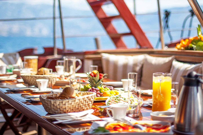 All inclusive segelcharter på Medelhavet från Rhodos hamn