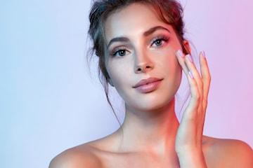 Kjemisk peeling med mesoterapi & LED-lys hos Natural Beauty Clinic