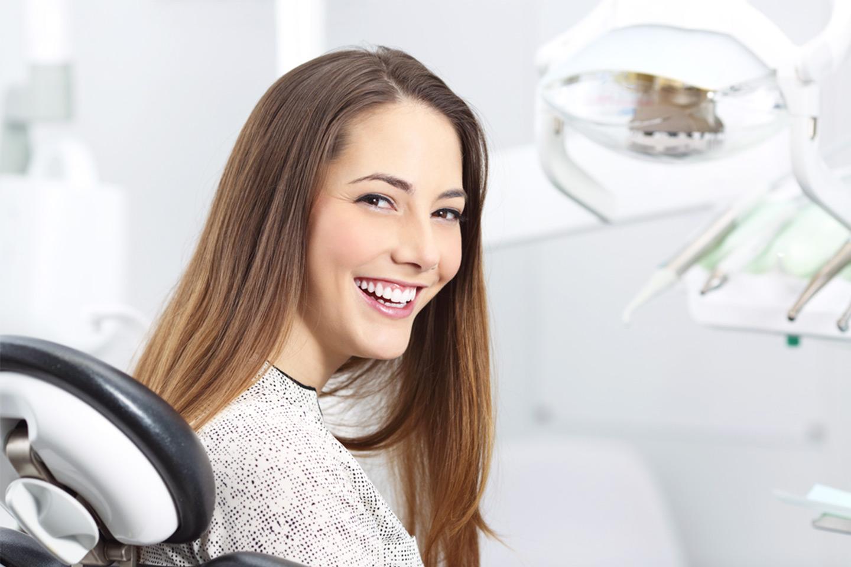 Tandläkarundersökning med röntgen, polering m.m. (1 av 2)