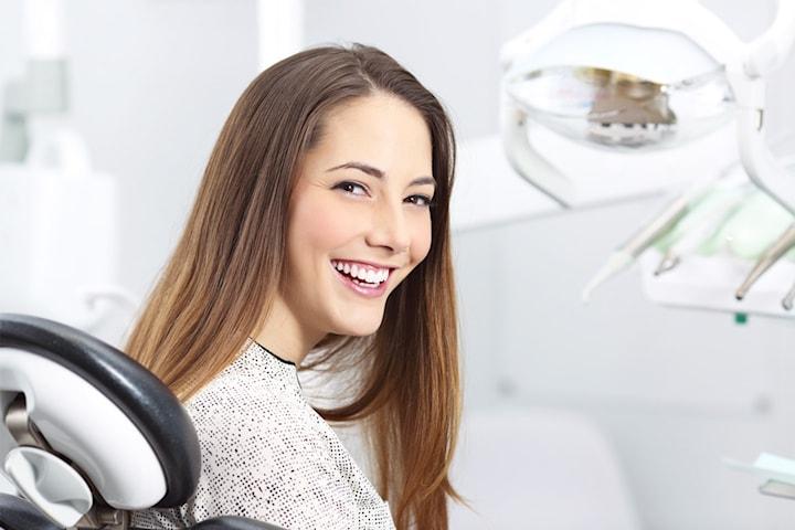 Tandläkarundersökning med röntgen, polering m.m.
