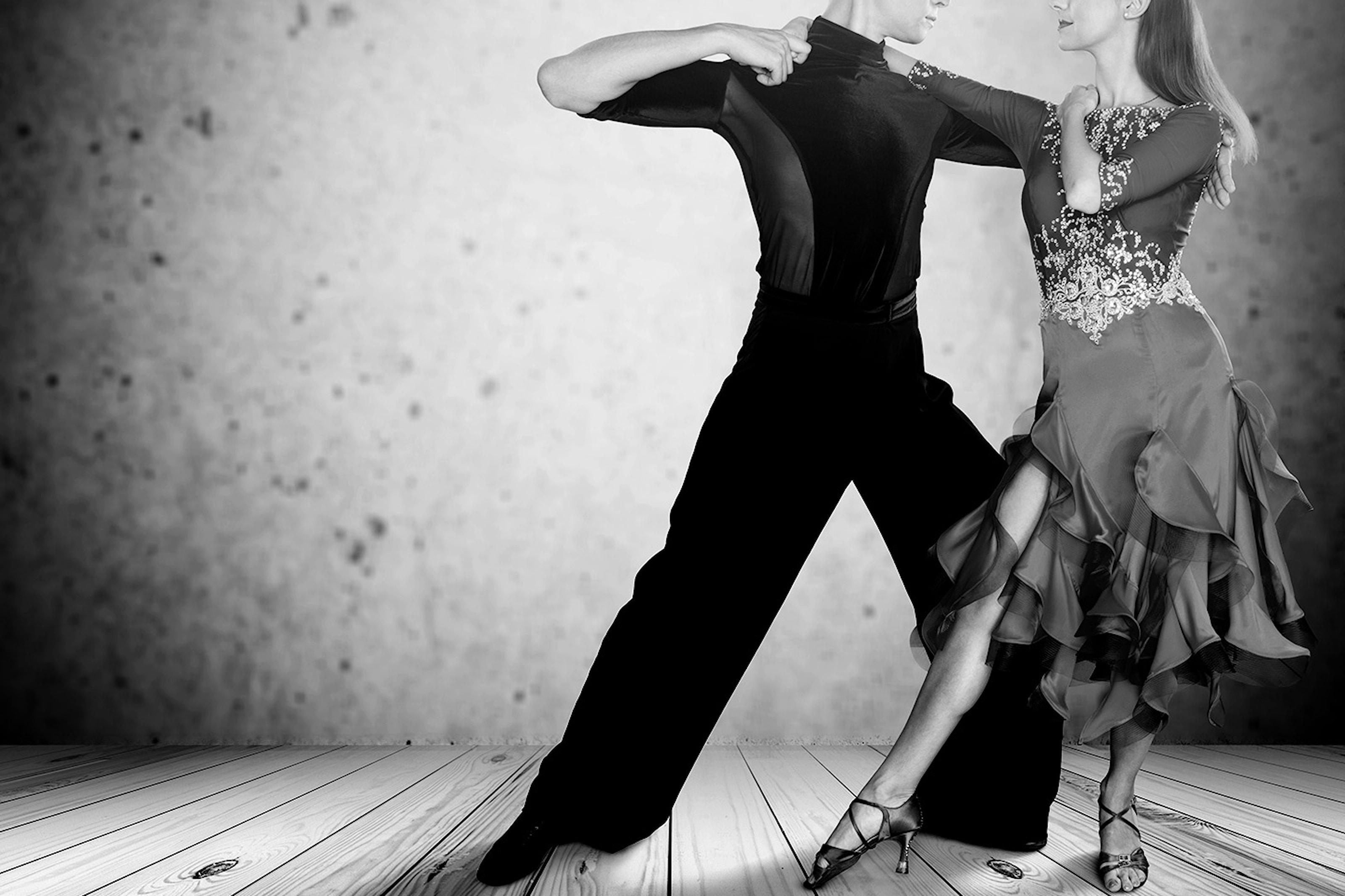 Bor det en salsadanser i deg? Prøv 3- eller 6-ukers kurs