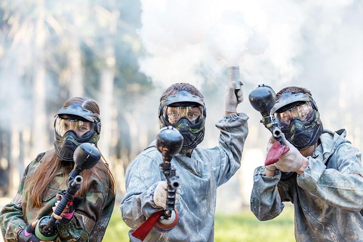 Utendørs paintball for opp til seks personer hos Highjump Event