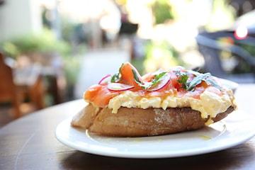 Lunsj hos Lokalt og Lekkert i Torghallen