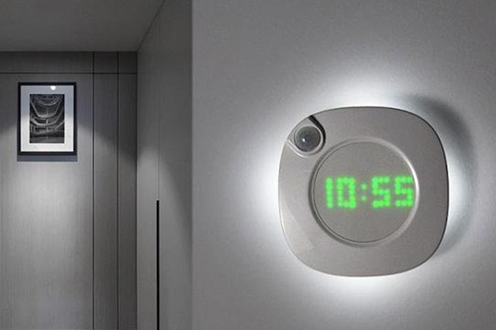 Digital klocka med ljussensor