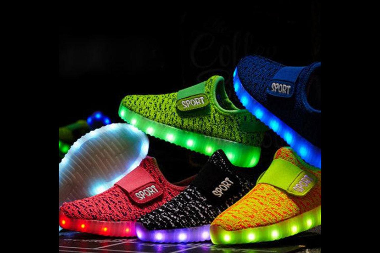 Barnesko med LED-lys