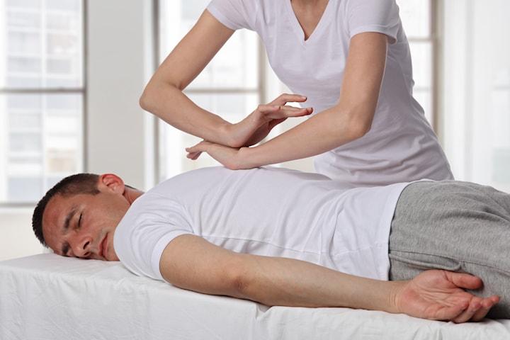 To eller tre kiropraktorbehandlinger til kun 198 kr per behandling