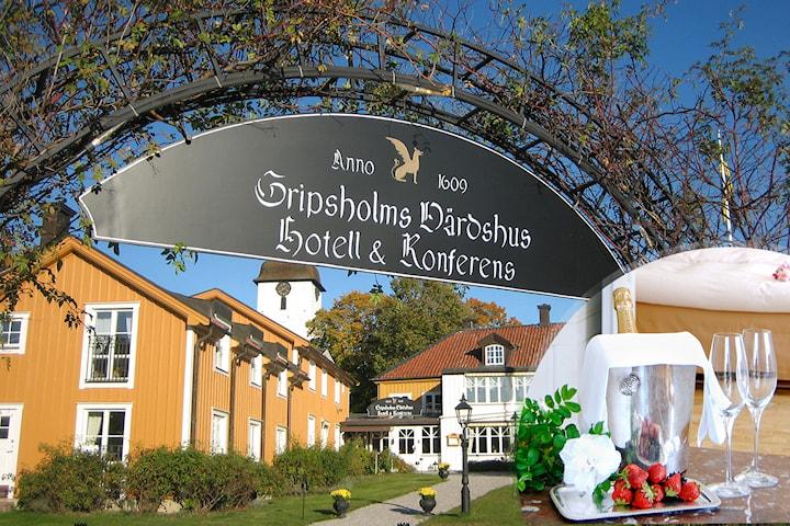 Lyxig vistelse för 2 på Gripsholms Värdshus