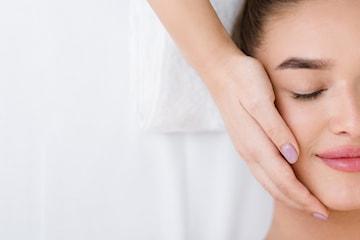 60 min ansiktsbehandling med Rosenserien