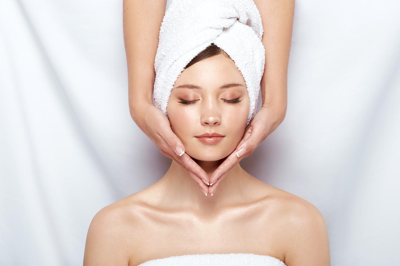 Lyxig ansiktsbehandling inkl. gellack (1 av 1)